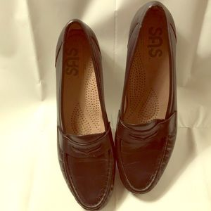 SAS shoes size 8 1/2 slim